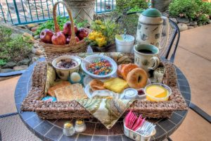 deluxe complimentary breakfast at Willow Brook Lodge