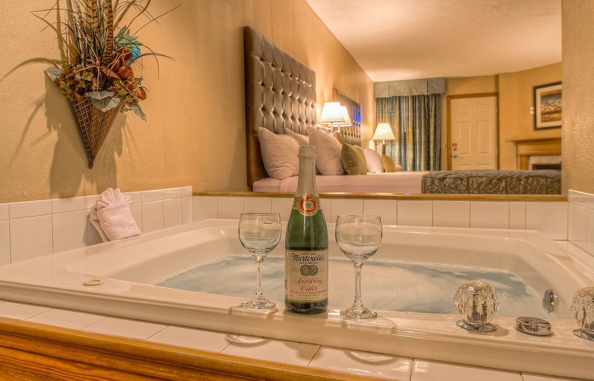 Romantic Weekend Getaways in Pigeon Forge at Willow Brook Lodge