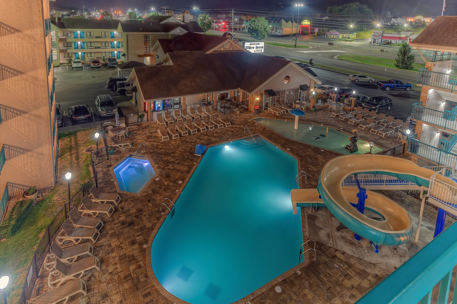 Downtown Pigeon Forge Hotels Willow Brook Lodge Outdoor Pool