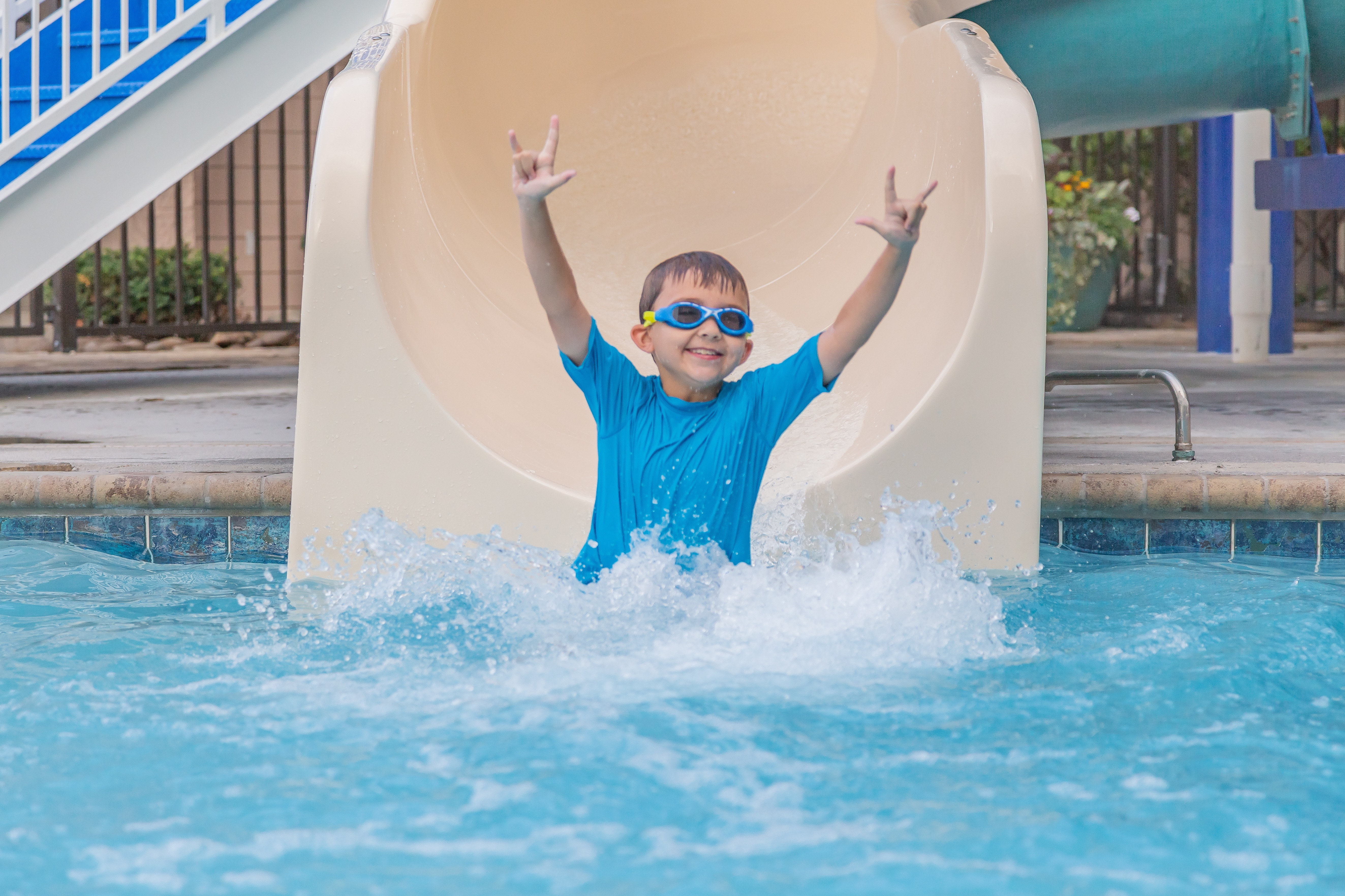 Pigeon Forge Hotels with Pools , Slides