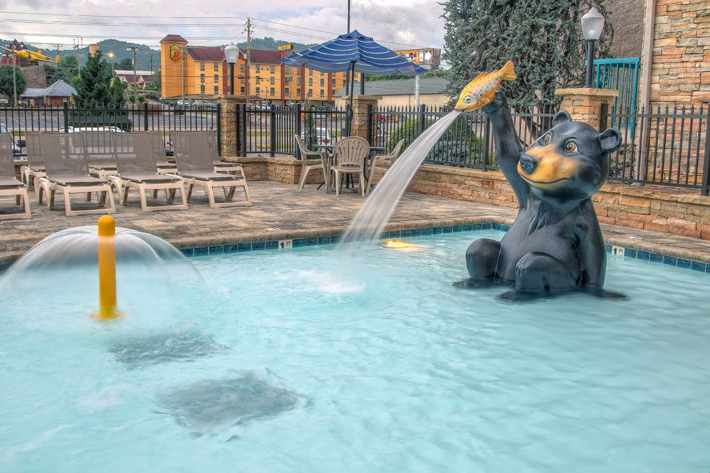 Outdoor Pools with mini water park Willow Brook Lodge Pigeon Forge