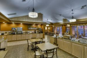 Free Breakfast at Willow Brook Lodge