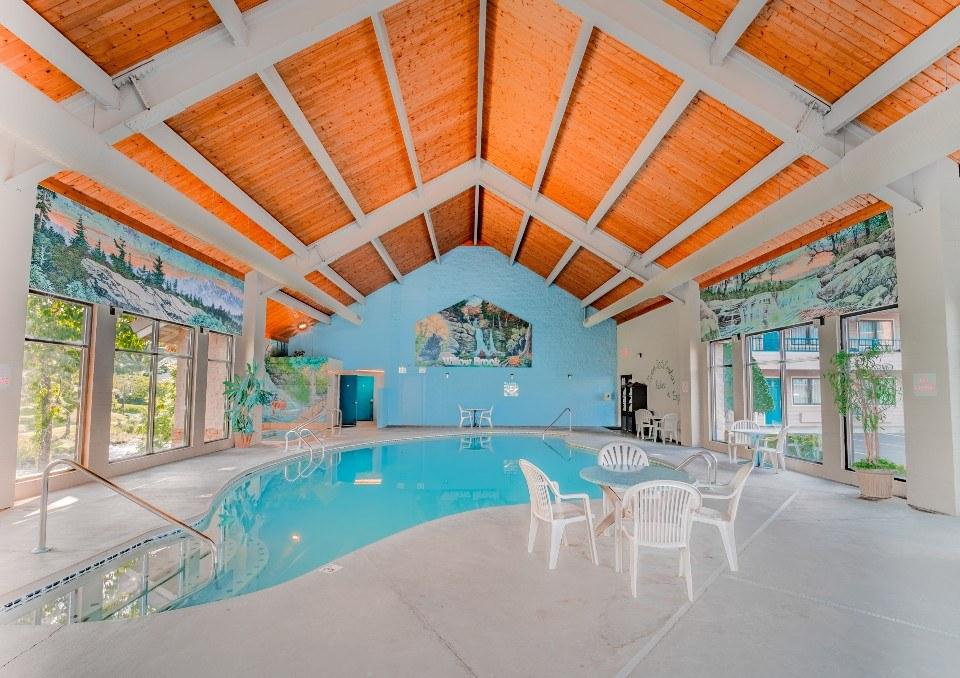 Willow Brook Lodge Indoor Pool