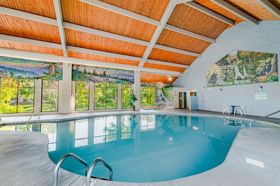 Willow Brook Lodge Indoor Pool with Spa